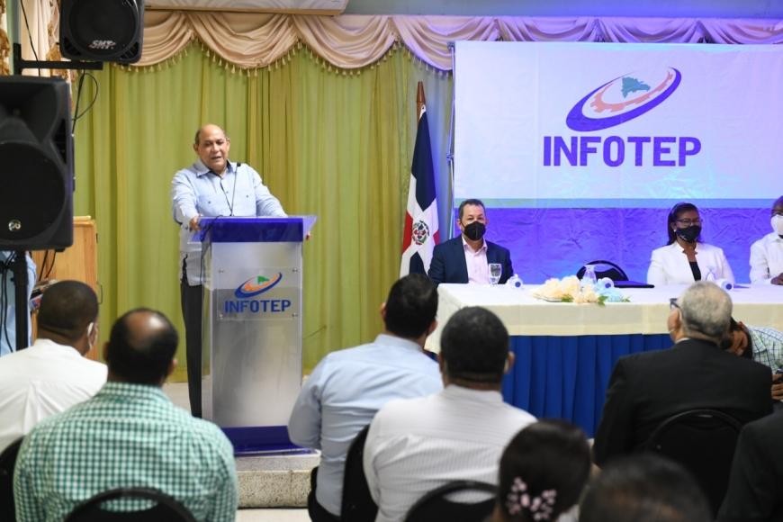 INFOTEP anuncia instalará escuela de hotelería y turismo en Pedernales
